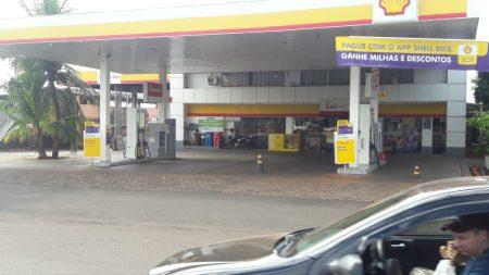 Litro do diesel deverá estar R$ 0,46 mais barato nos postos a partir de 1º de junho, diz ministro