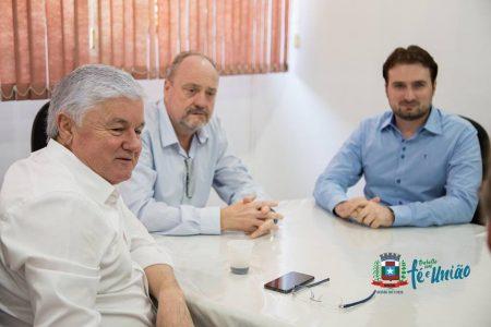 Deputado Federal Valdir Rossoni visita Missal