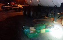 Carreta com placa de Santa Helena é apreendida com mais de 2 toneladas de maconha