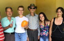 Moradores das Casas Reviver de Itaipulândia recebem visita de funcionários da Assistência social