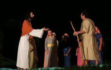 Mais de 100 atores irão compor a peça teatral Paixão de Cristo em Santa Helena