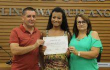 Novos profissionais do ramo têxtil recebem certificado de conclusão de curso em Santa Helena