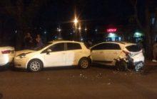 Medianeira: S10 colide em carro estacionado e provoca engavetamento na Av. Pedro Soccol