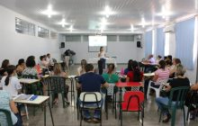 Professores do ensino fundamental participam de grupo de estudos de língua portuguesa e matemática