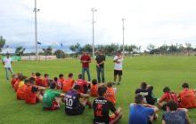 Presidente da Câmara de Vereadores de Santa Helena e Secretário de Esportes incentiva Escolinha de Futebol