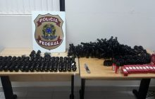 Céu Azul: PF apreende acessórios de arma de fogo de uso restrito.