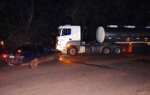 PRE registra colisão frontal entre carro e carreta na Curva do Oregon em Santa Helena