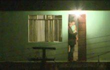 Após 17 horas, pai que mantinha filho de 3 anos em cárcere privado se entrega à polícia.