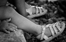 Criança de seis anos era estuprada pelos pais e por quatro vizinhos