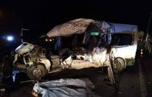 Grave acidente com Van deixa motorista e duas mulheres mortas, já identificados.
