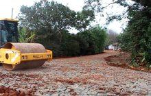 Produtores de Itaipulândia são beneficiados com pavimentação rural
