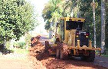 Itaipulândia: Moradores recebem auxílio na manutenção de rede hidráulica rural