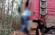 Homem morre prensado pelo próprio caminhão
