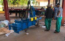 Agentes Ambientais de Santa Helena recebem prensa para processamento de metais leves