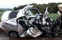 Mãe e filha morrem em acidente entre carro e caminhão na PR 445