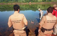 Jovem é encontrado morto com tiros e facadas no Rio Paraná