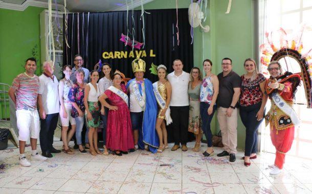 Escolha do novo Rei Momo e da nova Rainha foram realizadas durante o Carnaval da Terceira Idade