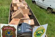 Pato Bragado: Policiais realizam apreensão de uma Fiorino e embarcação carregados com cigarros
