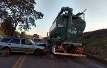 Acidente entre carro e caminhão deixa homem ferido em Itaipulândia