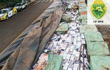 Carreta carregada com cigarros contrabandeados é apreendida em Entre Rios do Oeste