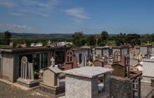 Homem de 35 anos é encontrado morto com tiro na cabeça no cemitério de Missal