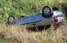 Veículo com placas de Santa Helena se envolve em acidente