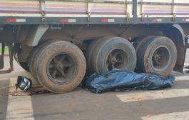 Homem morre em acidente envolvendo motocicleta e carreta em distrito de Santa Helena