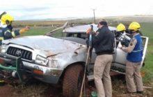 Motorista de caminhonete com placas de Medianeira fica preso às ferragens, após capotamento na BR 467