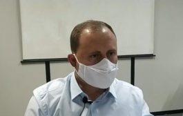'Todos precisam cumprir o Decreto do Estado', afirma prefeito Zado em coletiva de imprensa
