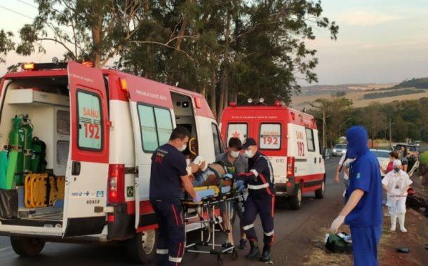 Grave acidente envolve um veículo Gol e uma motocicleta na PR 497 em Itaipulândia