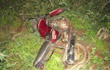 Motorista foge após colidir na traseira de motocicleta na PR 495 em Entre Rios do Oeste