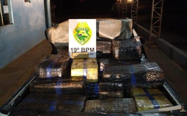 Policiais Militares apreendem veículo com 750 kg de maconha, em Pato Bragado.