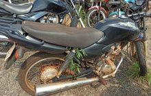 Saiba de quem é a moto encontrada no interior de Santa Helena e quem pode ser o cadáver retirado de açude