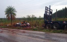 Colisão entre carreta e carro em rodovia de MS mata família