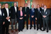 Diretor Presidente da Lar Cooperativa participa de reunião com Bolsonaro