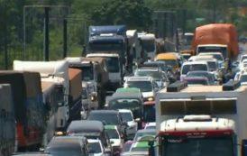 Caminhoneiros relatam sobre longas filas e dias de espera para atravessar a Ponte da Amizade