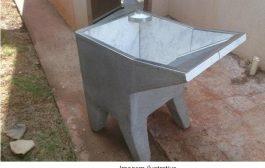 Tanque de lavar roupas de concreto vira e mata criança de dois anos