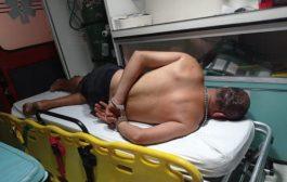 Homem bate na esposa, apanha dos vizinhos e acaba preso