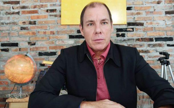 (WEB TV) Corpo de Jorge da Cruz encontrado morto em motel chega em Santa Helena na manhã de hoje (23)