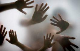 Mãe é acusada de matar duas filhas; Uma de 2 anos e outra de 3 meses de vida
