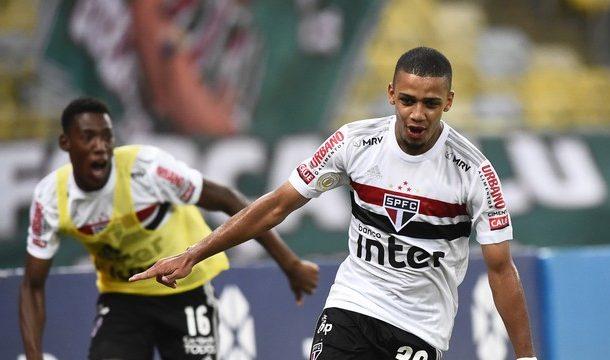São Paulo bate Fluminense e volta a ter sete pontos de vantagem na liderança