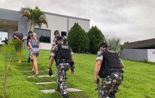 São Miguel: Operação conjunta prende pessoas e apreende armas e drogas