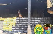 BPFRON apreende 12,7 toneladas de maconha, caminhão, acessórios de armas de fogo e prende 5 indivíduos na cidade de Toledo-PR