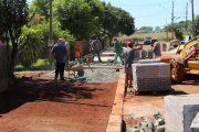 Ruas do bairro Caramuru estão ganhando novas calçadas