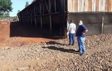 Produtores Rurais de Itaipulândia tem a disposição Programa Municipal de Cascalhamento nas propriedades