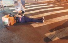 Entregador tem laceração em uma perna em acidente de trânsito