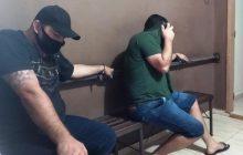 (Vídeo) Policial Militar lotado no 14º BPM é preso em Foz suspeito de estar envolvido em assaltos