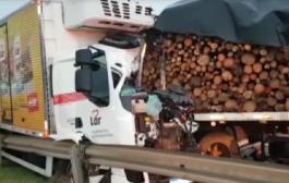 Motorista da Lar Cooperativa fica gravemente ferido em acidente