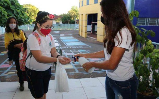 Aulas presenciais retornam segunda-feira (05) para estudantes do 1º ao 5º ano em Santa Helena