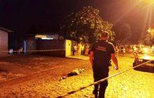 Motoqueiro executa desafeto no meio da rua